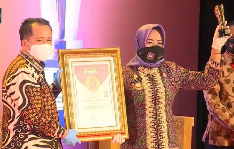 Tulangbawang Raih Penghargaan Innovative Government Award 2020