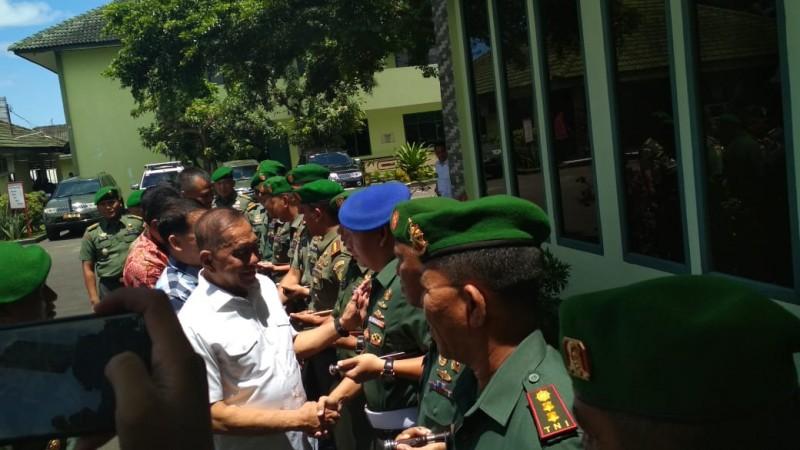 Tuntut Netralitas TNI, Menhan Sambangi Korem 043 Garuda Hitam