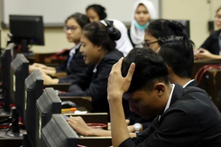 Uji Kompetensi Dibatalkan, Kelulusan SMK Ditentukan US