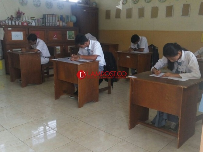 Ujian Nasional SMA/SMK 2018/2019 Dimajukan