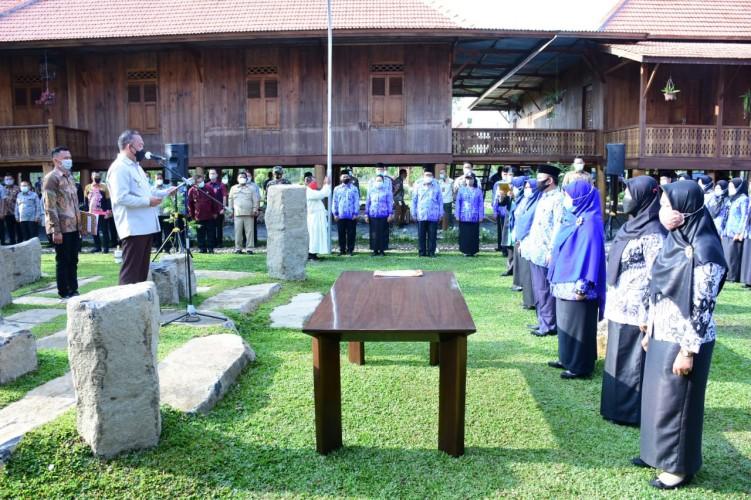 Umar Ahmad Lantik Kepala UPT TK - SMP