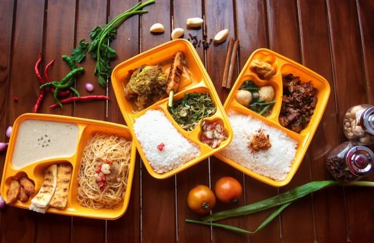 UMKM Kuliner Lunch Yux Eksis di Tengah Pandemi