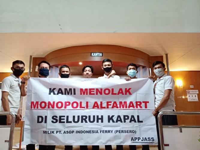 UMKM Lokal Tolak Monopoli Pengelolaan Kantin di KapalASDP