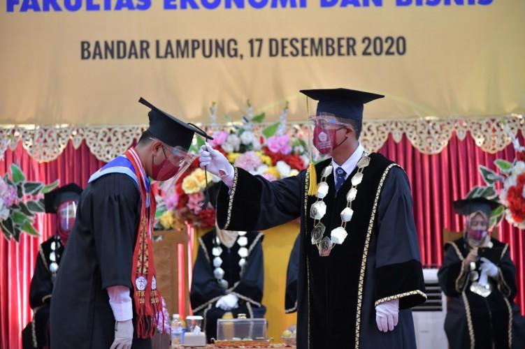Universitas Teknokrat Luluskan Wisudawan Bermutu untuk Indonesia Mandiri