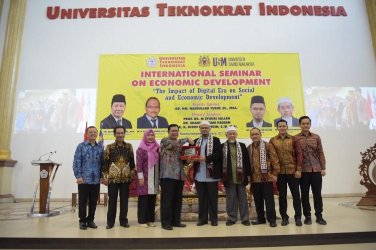 Universitas Teknokrat Perkenalkan Perkembangan Ekonomi Dunia Era Digital