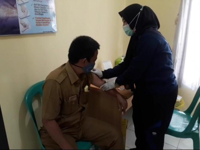 Vaksinasi Tahap II di Tuba Sasar 4.300 Orang