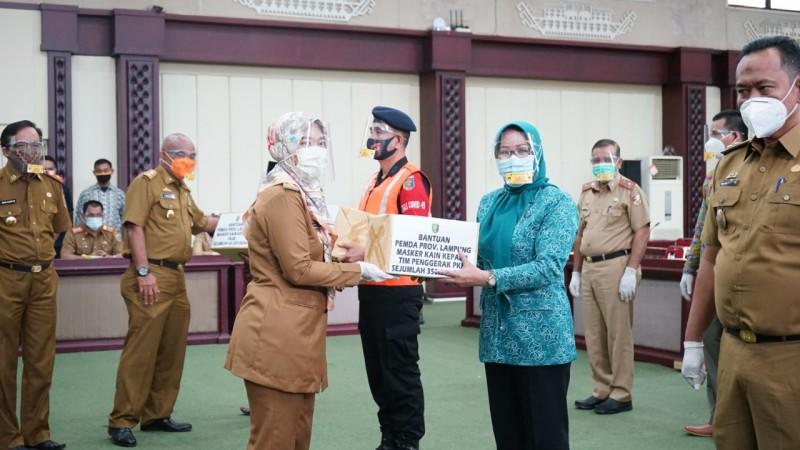 Wagub Distribusikan 1,34 Juta Masker DID ke 15 Kabupaten/Kota