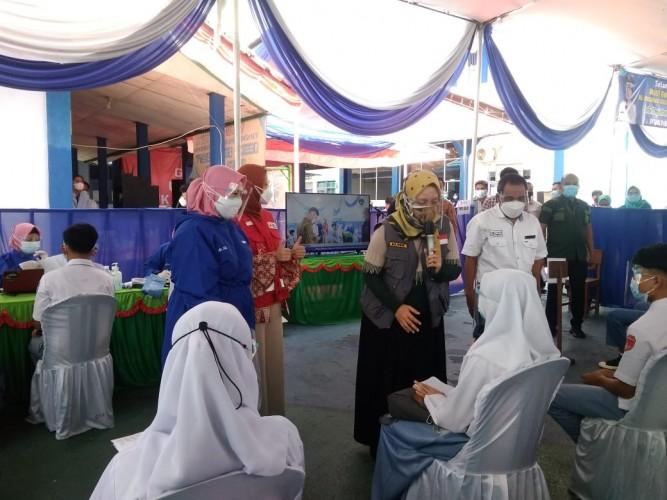 Wagub Lampung Tinjau Vaksinasi Pelajar di SMK Pelita Pesawaran