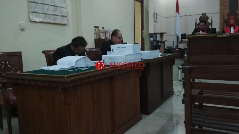 Wah!, Surat Tuntutan Zainudin Hasan Capai 1.052 Halaman