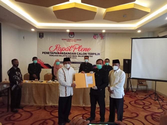 Wahdi-Qomaru Ditetapkan sebagai Wali Kota dan Wakil Wali Kota Metro