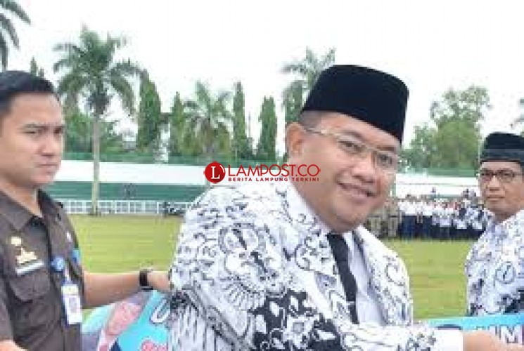 Wakil Bupati Lampura Terlihat Ngantor Meski Tidak Lama