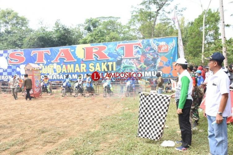 Wakil Bupati Lamtim Buka Festival Grasstrack Motor