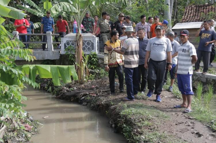 Wakil Bupati Pringsewu Tinjau Lokasi Banjir