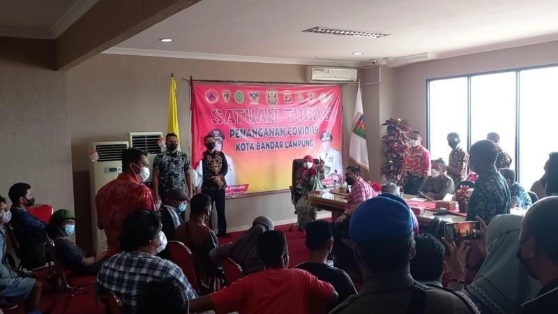 Wali Kota Bandar Lampung Janji Prioritaskan Pedagang Lama Pasar Smep