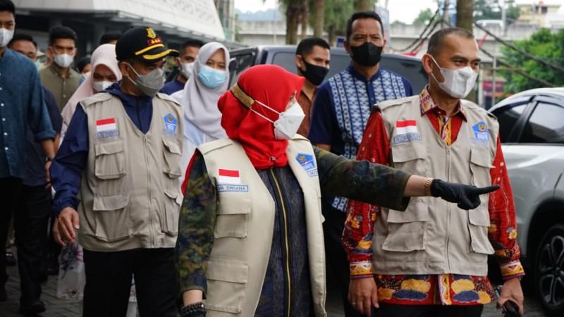 Wali Kota Eva Pantau Kondisi Jalan dan Mal di Hari Lebaran