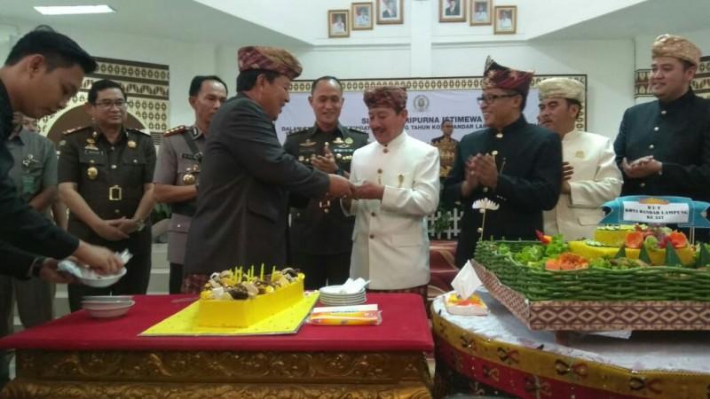 Wali Kota Herman HN Ucapkan Selamat Ulang Tahununtuk Gubernur Arinal