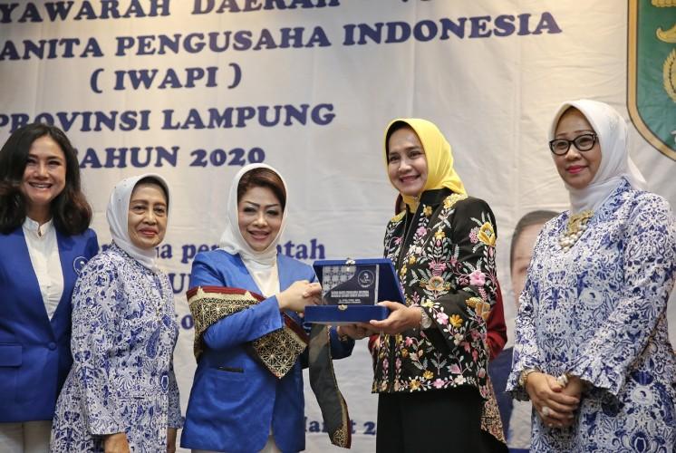 Wanita Lampung Berperan Tingkatkan Ekonomi Kerakyatan