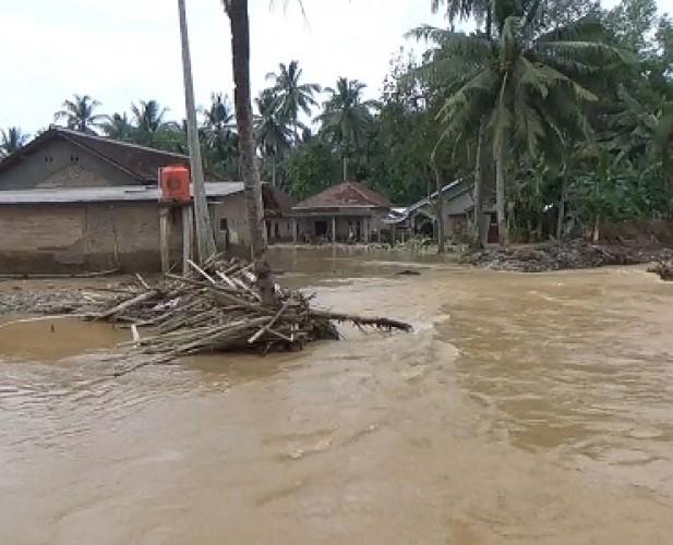 Warga Bandingagung Kecewa Penanganan Banjir Pemkab Tanggamus
