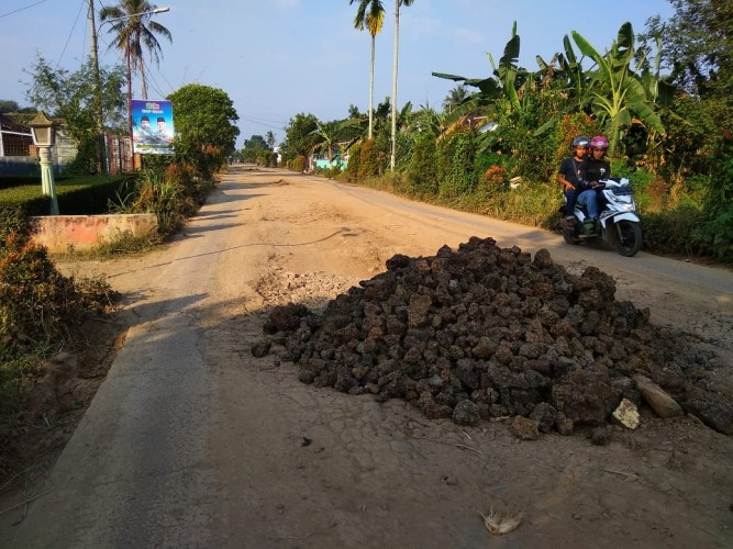 Warga Berharap Pemkot Metro Prioritaskan Perbaikan Jalan di Karangrejo