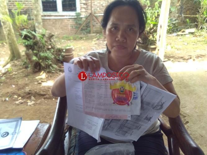 Warga Beringin Jaya Laporkan Lurahnya ke DPRD