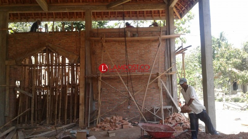 Warga Dusun Sidodadi 2, Gotong Royong Bangun Masjid