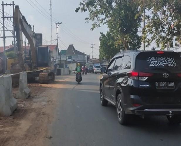 Warga Harap Pembangunan <i>Flyover</i> Sultan Agung Jadi Solusi Kemacetan