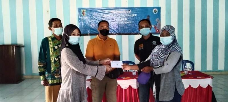 Warga Kampung Umpu Bhakti Terima BLT-Dana Desa