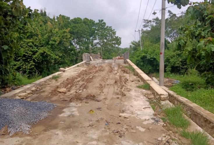 Warga Kecewa Pembangunan Jembatan Desa Waysari Lambat