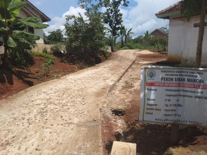 Warga Keluhkan Hasil Pembangunan Dana Desa Sinar Mancak Asal Jadi