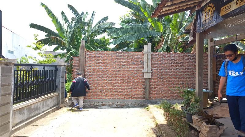 Warga Labuhanraturaya di Bandar Lampung Keluhkan Akses Jalan Ditembok