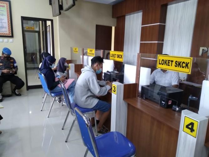Warga Lamtim Mulai Urus SIM dan SKCK via <i>Online</i>