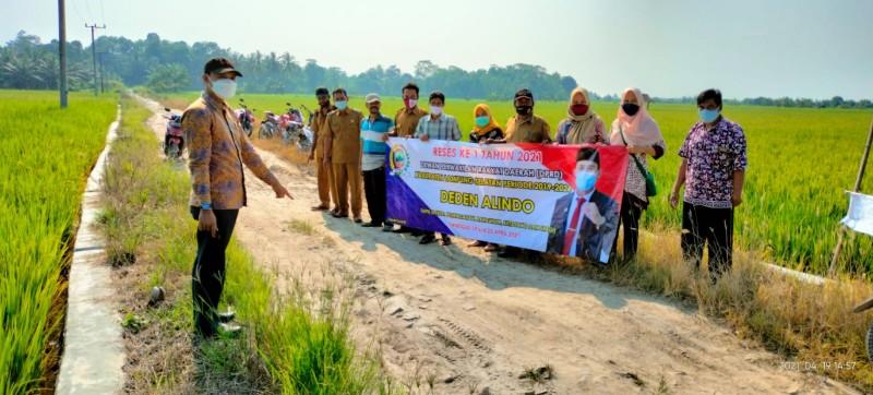 Warga Margasari Minta Dewan Perjuangkan Perbaikan Jalan Margasari-Mandalasari