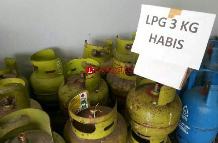 Warga Palas Kesulitan CariTabung Gas Elpiji 3 Kg