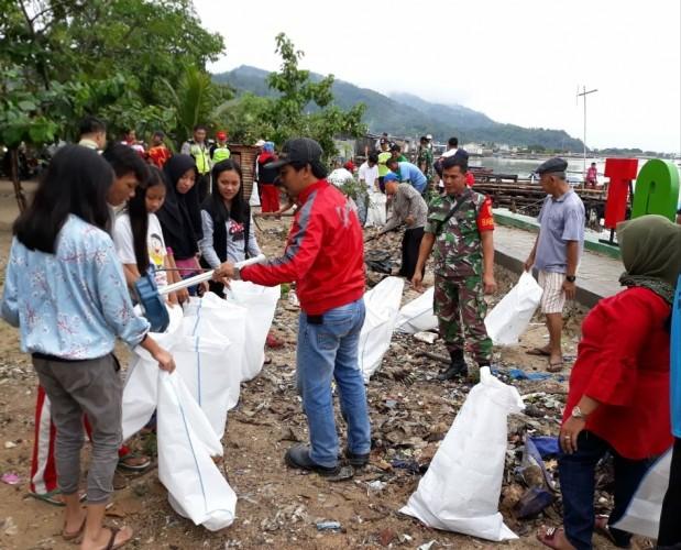 Warga Panjang Utara Gotong Royong Bangun RTH