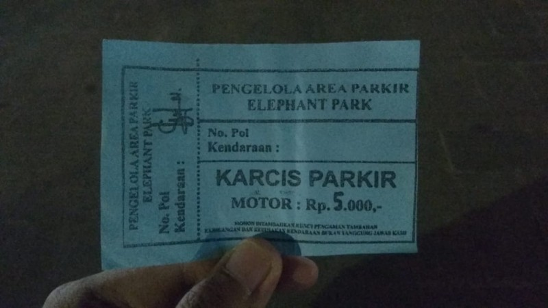 Warga Pertanyakan Pengelola Parkir di Elephant Park