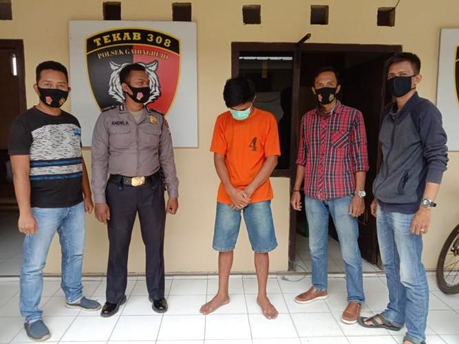 Warga Pringsewu Kepergok Mencuri di Warung Sembako