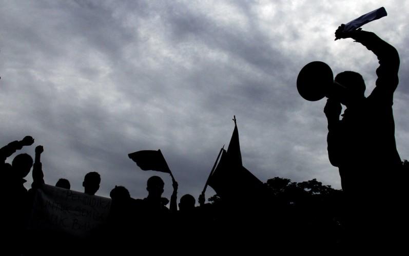 Warga Sinarpalembang Protes Kualitas Beras Bantuan Buruk