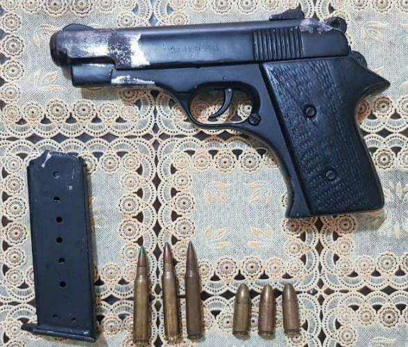 Warga Sumberagung Terancam 20 Tahun Bui karena Simpan Pistol