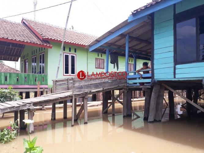 Warga Terdampak Banjir Mulai Terserang Penyakit