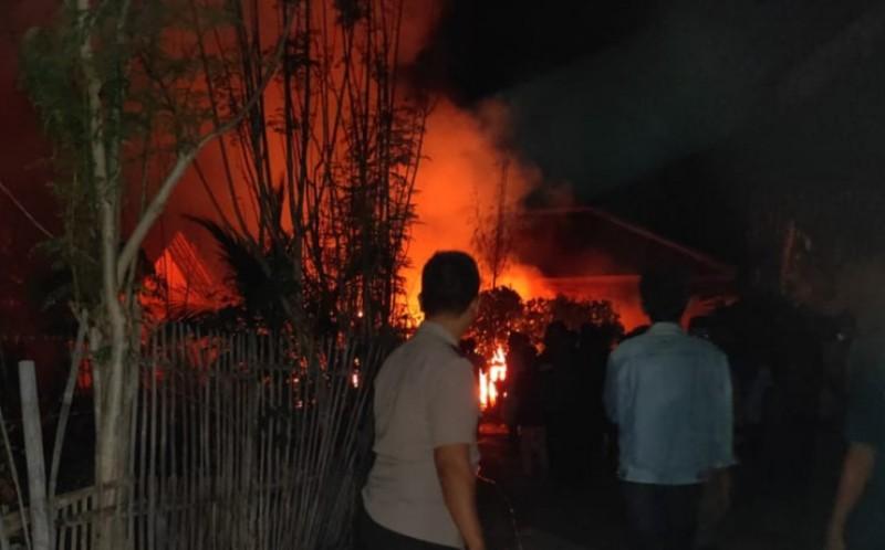 Warung Sayuran di Pringombo Ludes Terbakar