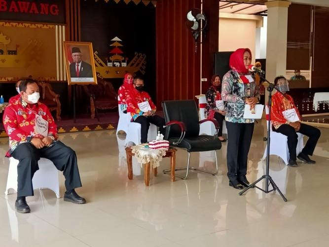 Winarti Salurkan Bantuan Kreatif Mandiri ke 108 Kelompok