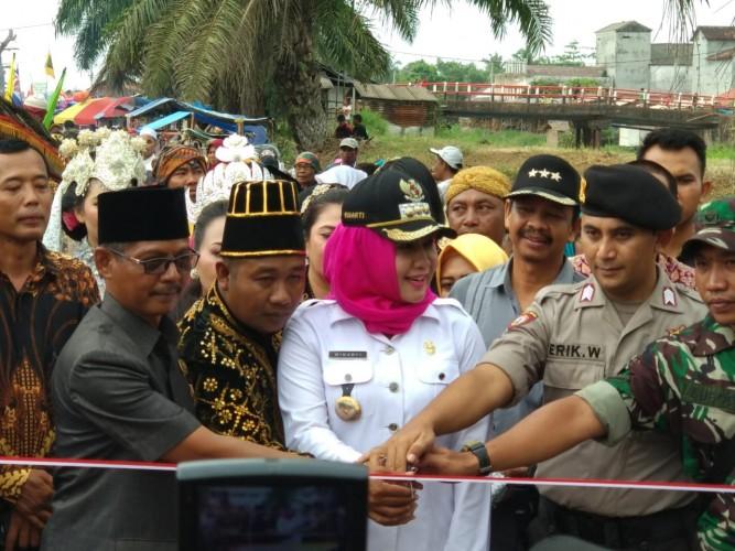 Winarti Sambangi warga Kampung Medasari