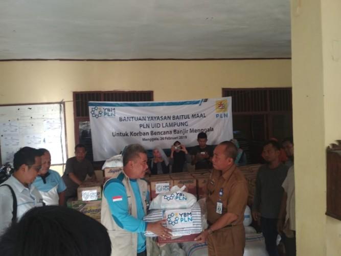 YBM PLN Bantu Korban Bencana Banjir di Menggala