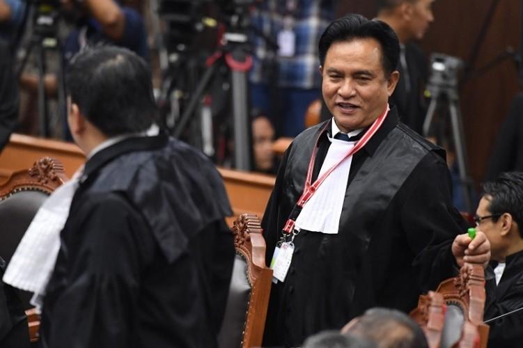 Yusril Klaim Kemenangan Prabowo-Sandi Gugur