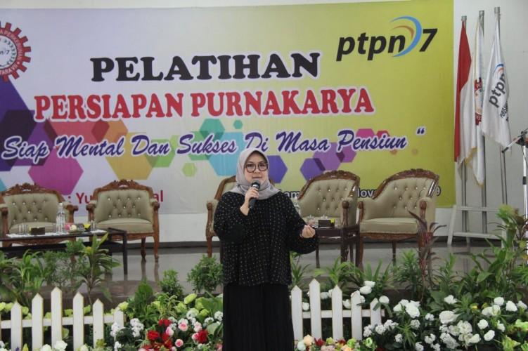 Yussy Akmal Beri Lima Kiat Jalankan Bisnis