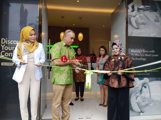 ZAP Clinic Audisi Wanita Berjerawat Pada Acara Peresmiannya di Lampung