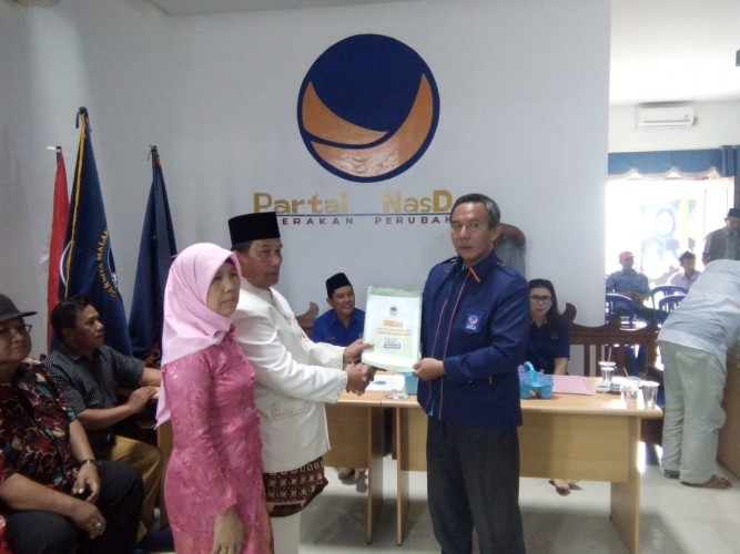 Zulqoini Syarif Kembalikan Berkas Bakal Calon Wakil Bupati Pesisir Barat ke NasDem